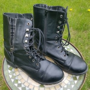 Black and gray plaid lace-up combat boots